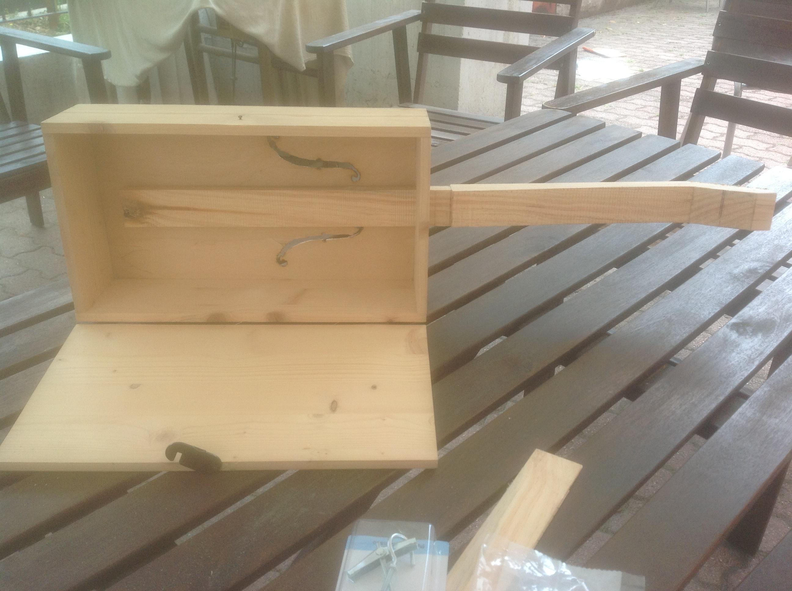 costruzione cigar box guitar